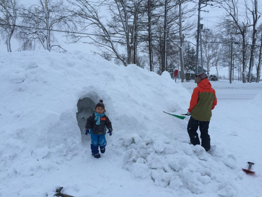snow-dome-making