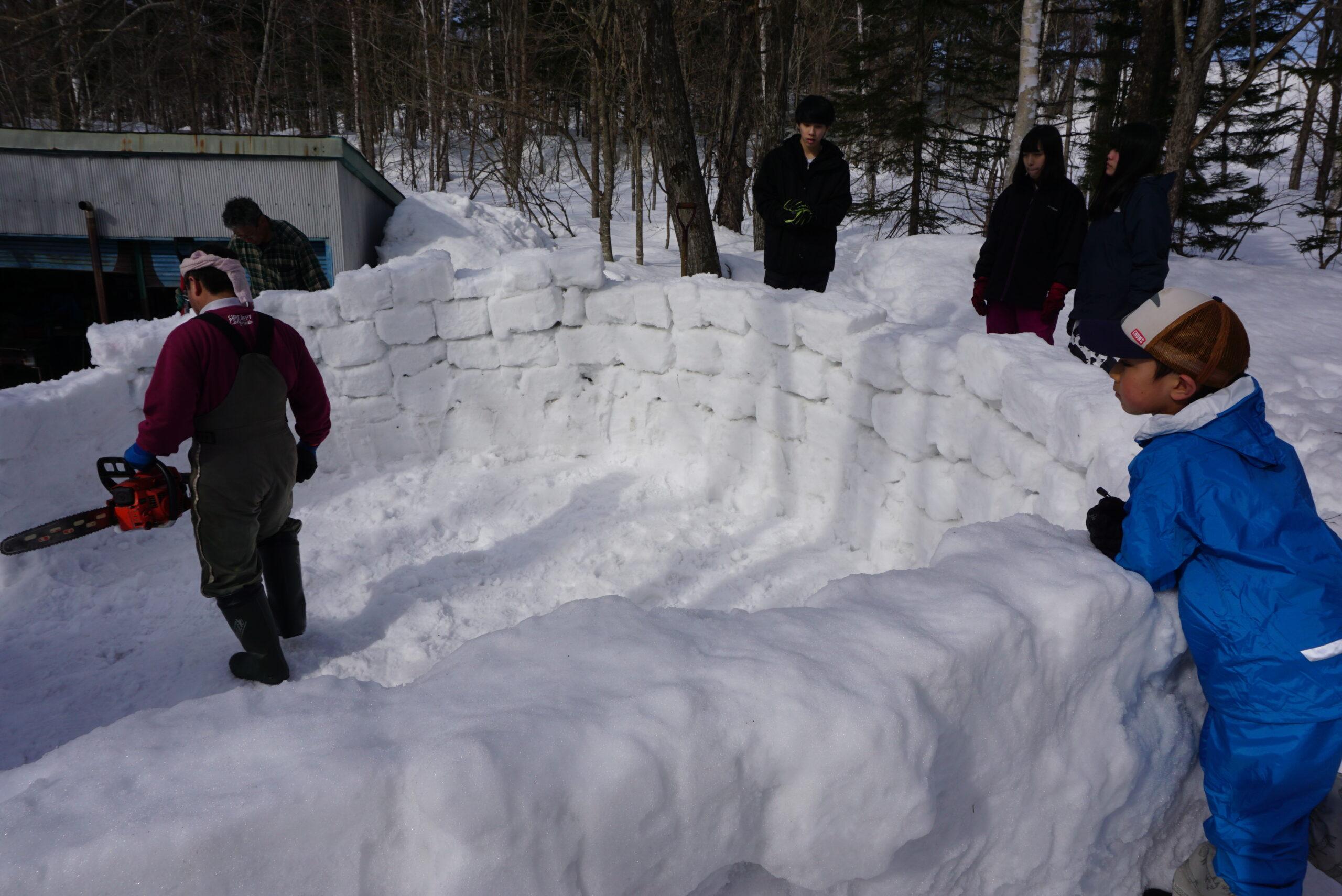 igloo-camping